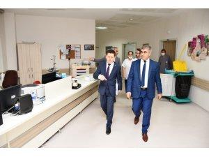 Vali Gürel, KBÜ Eğitim Araştırma Hastanesinde incelemelerde bulundu