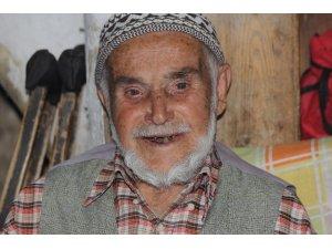 'Küçük Mustafa' lakaplı Mustafa dede, 125 yaşında öldü