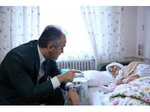 Bursa'da yaşlıların market alışverişi Büyükşehir Belediyesi'nden...