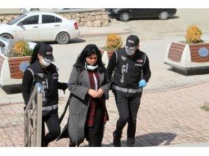 Elazığ'da sahte kadın hakim tutuklandı