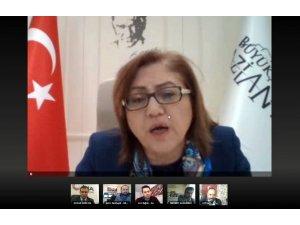 """Fatma Şahin: """"Gaziantep, Türkiye genelindeki düşük risk grubunda yer alıyor"""""""