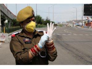 Hindistan'da korona virüse karşı 22 milyar dolarlık yardım paketi