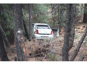Spil Dağı'nda otomobil uçurumdan uçtu: 2 yaralı