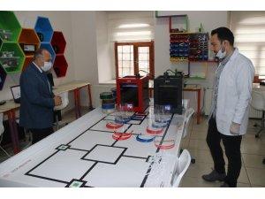 Bitlis'te özel siper koruyucu maske üretiliyor