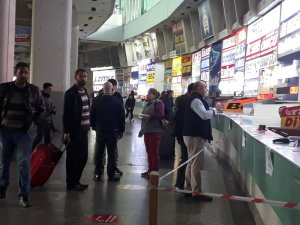 İzmir Otogarı'nda son gün yoğunluğu