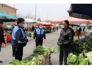 Erzincan'da Cumartesi Pazarını denetledi