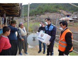 Adana'da ihtiyacı olan 5 bin 50 haneye ulaşıldı, ihtiyaçları karşılandı