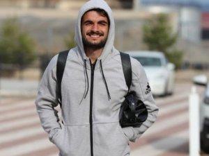 Sivassporlu Fatih Aksoy'dan 35 aileye gıda yardımı