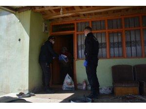 Polis Korona virüse karşı halk ile el ele mücadele ediyor
