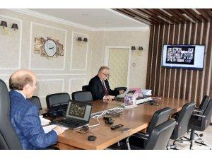 DÜ'de senato toplantısı video konferans yöntemiyle yapıldı