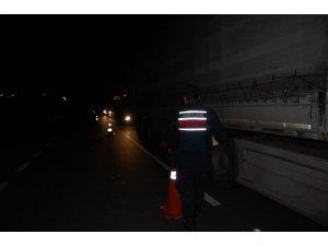 Jandarma ve polis Tekirdağ sınırını tuttu, araçlar geri gönderiliyor