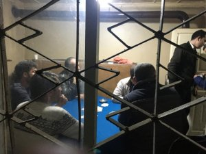 Kumar oynayan şahıslara hem kumardan hem sosyal mesafeden ceza