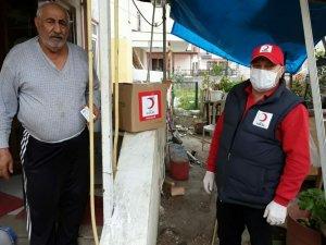 Türk Kızılayı Edremit Şubesi yardımlara devam ediyor