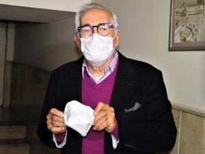 """Prof. Dr. Tarakçıoğlu: """"Salgınla en iyi mücadele eden ülkeler, başından itibaren maske taktı"""""""