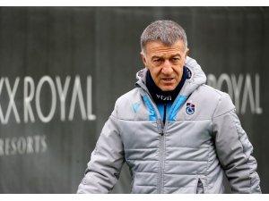"""Ağaoğlu: """"Hayallerimize ne kadar yakın olsak da futbol konuşmak mümkün değil"""""""