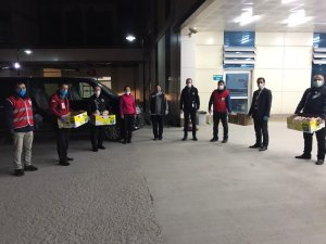 Kızılay'dan sağlık çalışanlarına moral ikramı