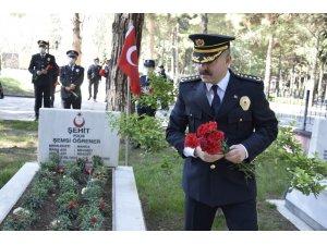 Burdur'da sosyal mesafeli Polis Günü kutlaması