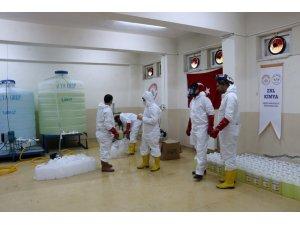 Siirt'te kimya öğretmenleri el ele verip korona virüse karşı dezenfektan üretti