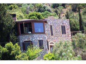 Firari Can Dündar'ın milyon dolarlık evi de kaçak çıktı