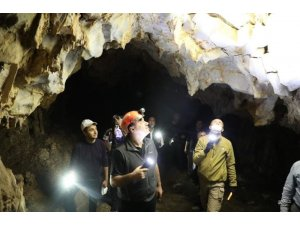 Farklı oluşumuyla dikkat çeken Karanlık Mağara'da inceleme