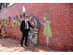 Pursaklar'da okul duvarlarına renkli dokunuş