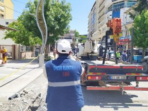 Silvan'da elektrik ekipleri arızalara anında müdahale ediyor