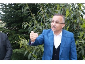 """Rize Valisi Kemal Çeber: """"Şehir merkezinde maskesiz sokağa çıkmayı yasakladık"""""""