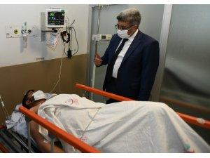 Vali Bilmez'den saldırıya uğrayan 'Vefa' çalışanına ziyaret