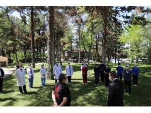 Vali Şıldak'tan sağlık personeline teşekkür ziyareti