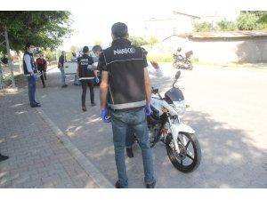 Adana'da bir mahalle 400 polisle 5 gün boyuncu uyuşturucu ablukasına alındı