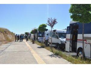 Mardin'de karantina süreleri dolan 127 vatandaş memleketlerine uğurlandı