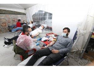 Sakarya Gençlik ve Spor İl Müdürlüğü personeli kan verdi