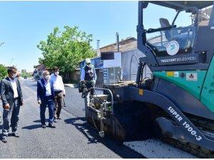 Başkan Çınar, asfalt çalışmasını inceledi