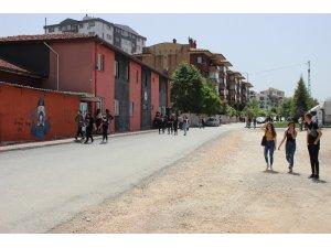 Gençler yasağın ardından sokaklara döküldü