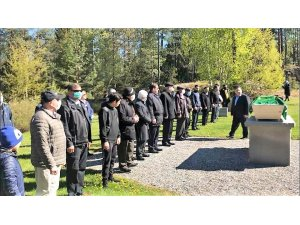 İsveç'te korona virüsten hayatını kaybeden Türk vatandaşı toprağa verildi