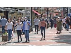Bartın'da 15-20 yaş aralığındaki gençler 41 gün sonra sokağa çıktı