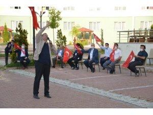 Müftü yardımcısından karantinadaki vatandaşlara konser