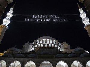 Süleymaniye Camisi'nde Kadir Gecesi hüznü