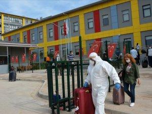 Bakan Kasapoğlu: 76 ildeki yurtlarda 9 bin 700 kişi karantinada