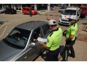 Keşan'da polis izin belgelerini denetledi