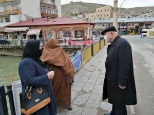 Bayramın ilk günü cadde ve sokaklar 65 yaş üstü vatandaşlara kaldı