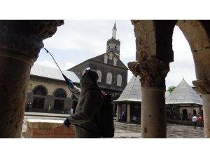 Diyarbakır'da 'cuma namazı' hazırlığı