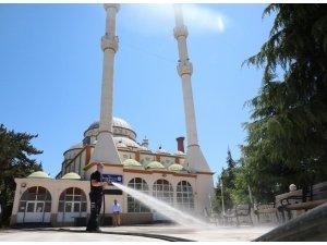 Suluova'daki camiler ibadete hazır