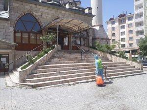 İpekyolu'nda camiler ibadete hazırlanıyor