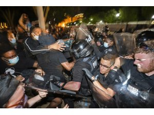 ABD'de artan protestolara askeri müdahale olabilir iddiası