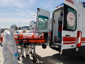 Türkiye'de koronavirüsten 24 saatte 25 can kaybı