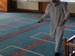 Dumlupunar'da camilerde dezenfekte çalışması