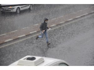 Şiddetli yağış hazırlıksız yakaladı