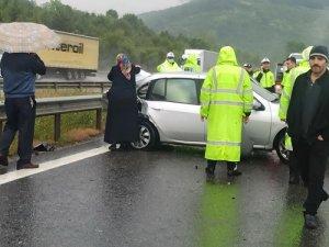 TEM'de zincirleme kaza: 25 araç birbirine girdi