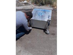 Temiz Bağlar için çöp konteynerleri yenilenerek dezenfekte ediliyor